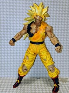 "Dragonball Z Series 11 Movie Collection 9"" Ss3 Battle Damaged Goku Rare..."