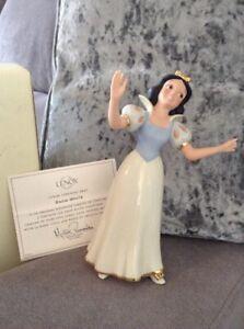 Disney Lenox Showcase A serenade for Snow White Figurine Anniversary edition