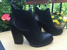New Mossimo Black Ankle Boots Bootie Elastic Panel Slip On Chunky Heel Sz 9.5 M