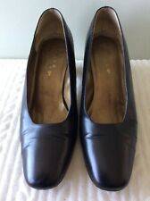 HUSH PUPPIES real leather ladies smart black slip on court shoe size 6/39