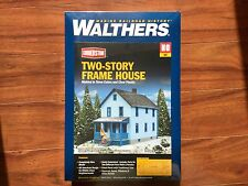 WALTHERS 1/87 HO CORNERSTONE TWO STOREY FRAME HOUSE ITEM  # 933-3786  F/S  NEW!