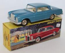 Modellini statici di auto, furgoni e camion blu Dinky scala 1:43