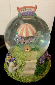 Pfaltzgraff Musical Water Globe ~ APRIL FLOWERS  - Plays: April Showers