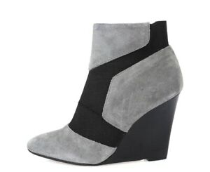 Report Signature Iliana Womens Gray Suede Pointy Toe Wedge Booties Size 6