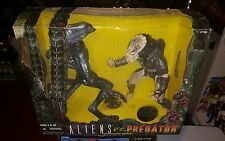 Aliens Vs. Predator The Ultimate Battle Kenner 10th Anniversary