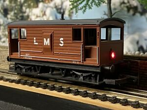 Hornby  R718 LMS Brake Van with working LED tail lamp