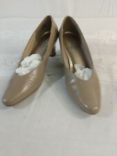 Life Stride Women's Low Heels Size 7.5B Tan Leather H1