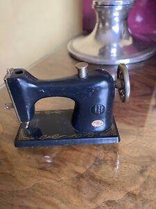 Vintage Novelty Sewing Machine Table Lighter