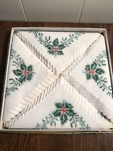 Vintage 30-Count Crepe Paper Napkins Boxed Christmas Holly Berry HOLLAND