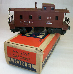 LIONEL POSTWAR 2357 CABOOSE WITH PLASTIC STACK & INWARD BRAKEWHEELS OB & INSERT