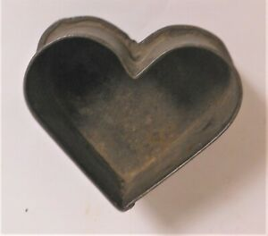 Good 19th Century American Tin Heart Cookie Cutter