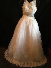 White Sleeveless Chapel train Tulle Gloria Vanderbilt Wedding Dress.