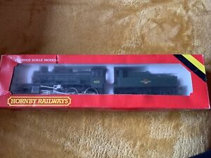 Hornby R852 Ivatt Class 2 2.6.0 Locomotion And Tender, 46251, Green