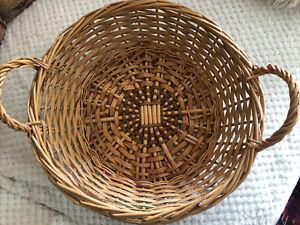 Antique/Vintage Round 40cm Wicker Basket With Handles