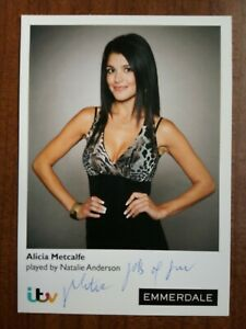 NATALIE ANDERSON *Alicia Metcalfe* EMMERDALE HAND SIGNED AUTOGRAPH CAST CARD
