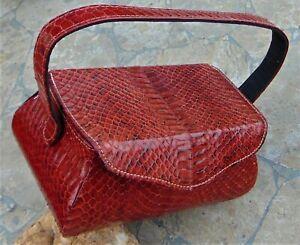 Small 1980/'s vintage red snakeskin print leather shoulder bag