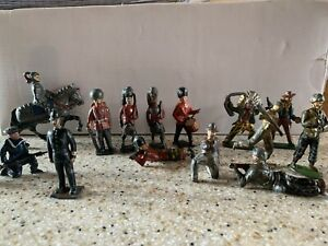 15 Lead Figures 1950's Mix Of Army Soldier Navy Cowboy And Indian See Pics