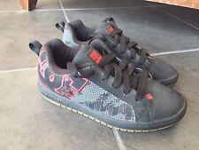 DC Shoes YOUTH Sz 6 K Graffik Black Gray Skate Shoe