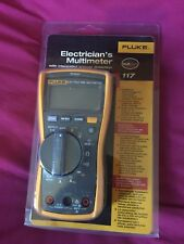 Fluke 117 True-rms Multimètre Avec Intergrated tension détection * NOUVEAU