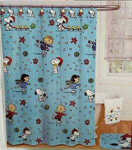 """Peanuts Christmas Shower Curtain and Hook Set w/ SNOOPY & The Gang (70""""x72"""") New"""