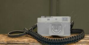 """LEICA M10-P """"REPORTER"""" PARACORD STRAP BLACK/OLIVE BY COOPH LEICA NUMBER : 18895"""