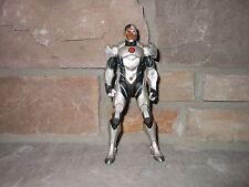 DC Direct Justice League War Cyborg loose!