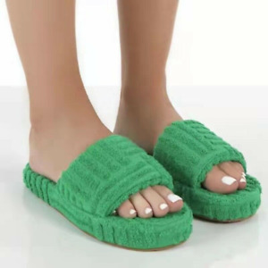 Womens Faux Fur Non-Slip Slippers Winter Indoor Thick Embossed Towel Soled Shoes
