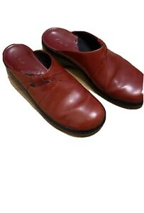 Clarks Comfort Clogs Mules Leather Slip On Shoes  Womens Size 8 1/2