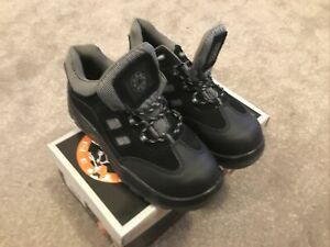 Safety Trainers  Black Size 7