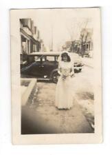 Vintage Mini Photo Pretty Bride Wedding Young Woman Classic Car 1940's, Feb17 b
