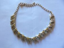 QUALITY PALE GOLD TON ARTICULATED FEATHER / LEAF CHOKER NECKLACE 40-129