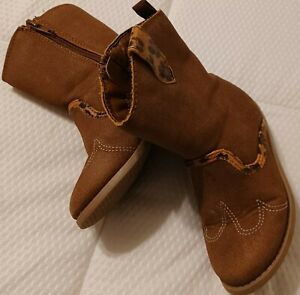 Carter Size 6 Toddler  Girl brown suede  cowboy Boots VG condition