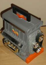 HOT WHEELS STO-N-GO 1999 CAR CARRYING CASE BY MATTEL - ENGINE BLOCK V8 SHAPED