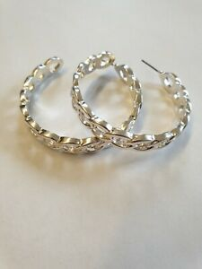 On Trend Chunky Wide Silver Tone Chain Link Design Hoop Fashion Earrings