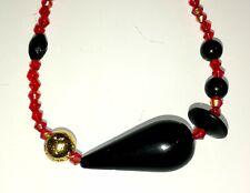 Unikat: Ausrufezeichen Collier Schwarz-Rot-Gold mit Art Deco- Bakelit Elementen