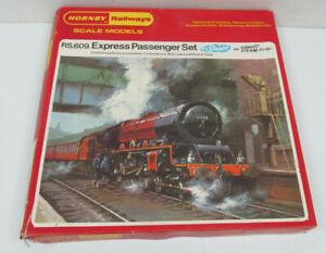 Hornby Railways RS.609. Express Passenger L.M.S Livery Set Model