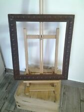 Cadre ancien en bois ,teinte noyer foncé ,ornementé pour sujet 42 x 35 cm