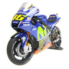 Yamaha YZR-M1 Valentino Rossi w/Rain Tires Malaysia in 1:12 scale by Minichamps