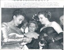 1959 Yugoslav 1st Lady Broz Tito Admires Bracelet From Rhodes Press Photo