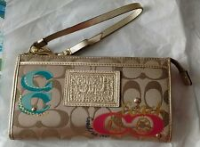 RARE~ COACH Poppy Daisy Pop C Applique W/Gold Trim Wristlet/Clutch/Wallet