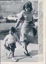 1963 Press Photo Jackie Kennedy Walks With Cute Toddler Son John Jr