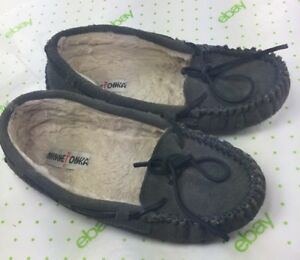 Minnetonka Moccasins Slippers Women's Size 8 Gray SHOES