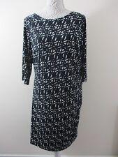 Papaya Weekend Dress sz 20.Plus size. Black, geometric print white.