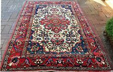 Persian Bakhtiari Authentic Hand-knotted Collectable Rug
