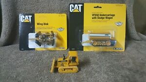 ERTL JOHN DEERE BULLDOZER -CAT WING DISK -CAT VFS50 UNDERCARRIAGE / SLUDGE WAGEN