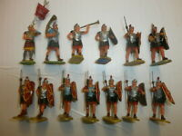 1. Konvolut 13 alte Elastolin Kunststoff Figuren Römer zu 4cm