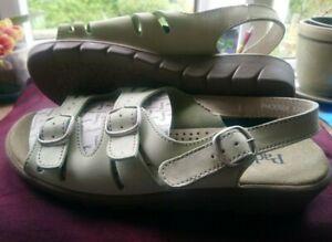Ladies Padders Phoenix Sandals - Light Green - Size 4