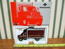Cabinet Transport International 4900 Series Straight Truck By First Gear