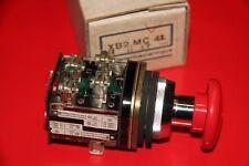 TELEMECANIQUE XB2.MC42  Drucktaster NOT-AUS, nicht rastend, rot   NEU