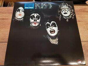 KISS - KISS - RARE RE-ISSUE USA BLUE VINYL 1ST LP + POSTER + STICKER  MINT !